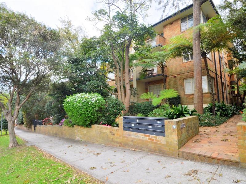8 28 Crows Nest Road Waverton NSW 2060-1