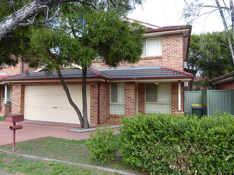 12 Hillcrest Road, Quakers Hill NSW 2763-1