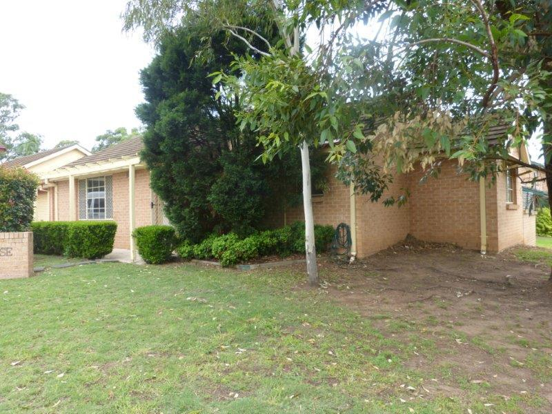 1/14 Stanbury Place, Quakers Hill NSW 2763-1