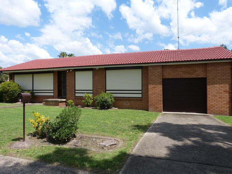 1 Cowper Circle, Quakers Hill NSW 2763-1