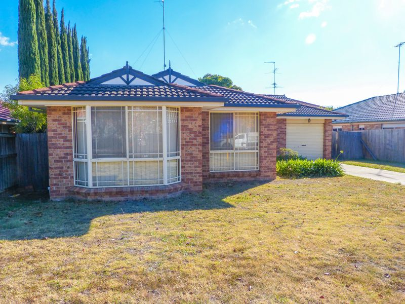 4 Olive Lee Street, Quakers Hill NSW 2763-1