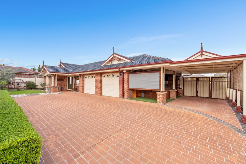 14 Toomey Crescent, Quakers Hill NSW 2763-1