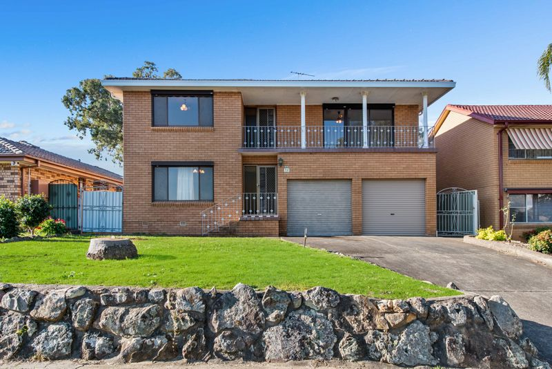 52 Warrimoo Drive, Quakers Hill NSW 2763-1