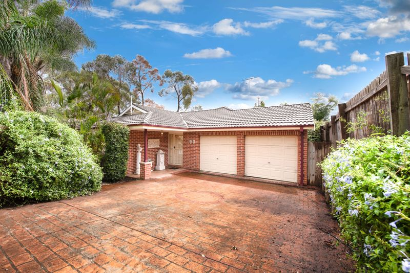 25 Peppertree Grove, Quakers Hill NSW 2763-1