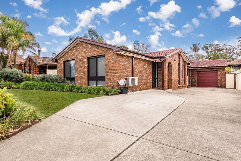74 Hoyle Drive, Dean Park NSW 2761-1