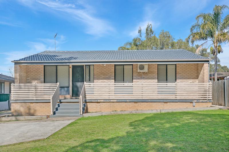 15 ADELPHI CRESCENT, DOONSIDE NSW 2767-1