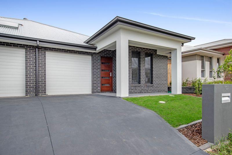 10A Flavum Street, Fletcher NSW 2287-1