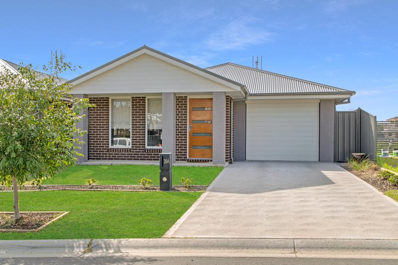 20A Standing Avenue, Cameron Park NSW 2285-1