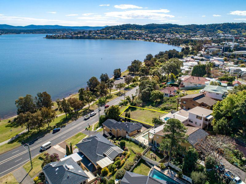 514 The Esplanade, WARNERS BAY NSW 2282-1