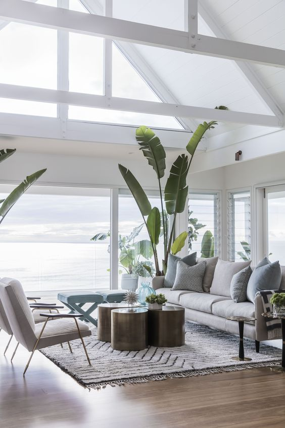 Creating hamptons style interiors in your home for Hamptons beach house interiors