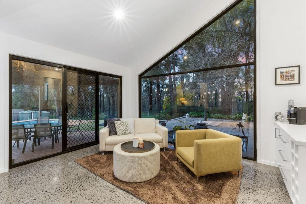 10-golden-glade-strathdale-vic-3550-real-estate-photo-6-xlarge-13259506