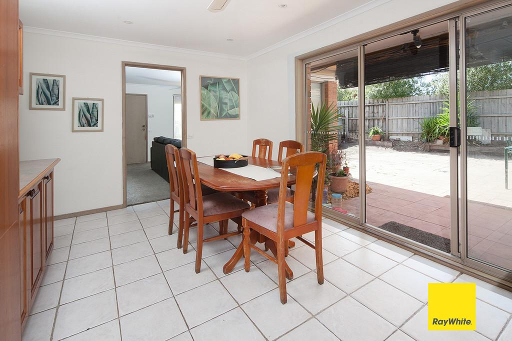 11-quail-court-carrum-downs-vic-3201-real-estate-photo-3-xlarge-12463854