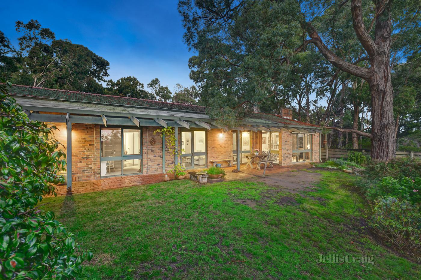 11a-timber-ridge-doncaster-vic-3108-real-estate-photo-1-xlarge-12650188