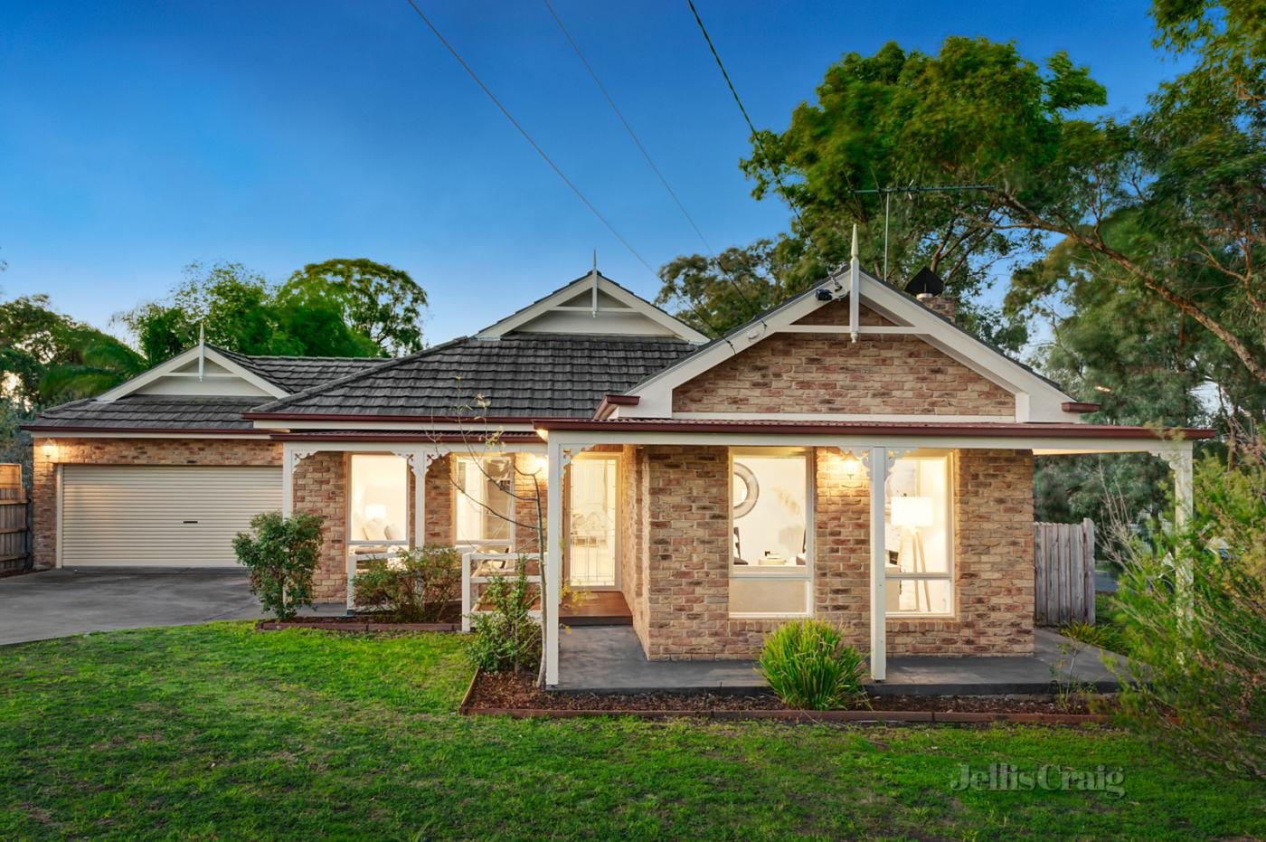 120-mountain-view-road-briar-hill-vic-3088-real-estate-photo-1-xlarge-12633557