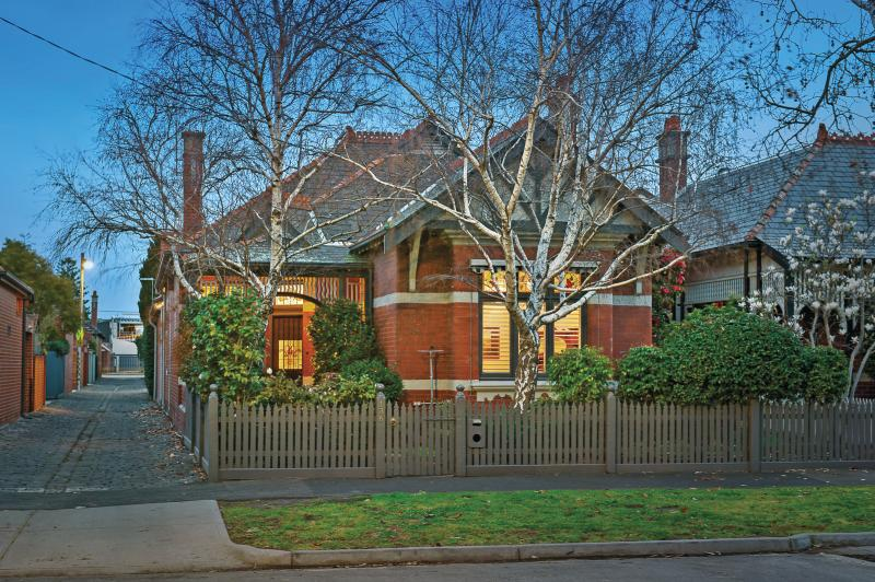 Home in Middle Park, Victoria