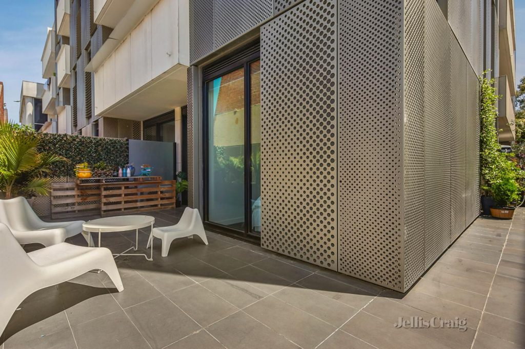 145-roden-street-west-melbourne-vic-3003-real-estate-photo-5-xlarge-12925082