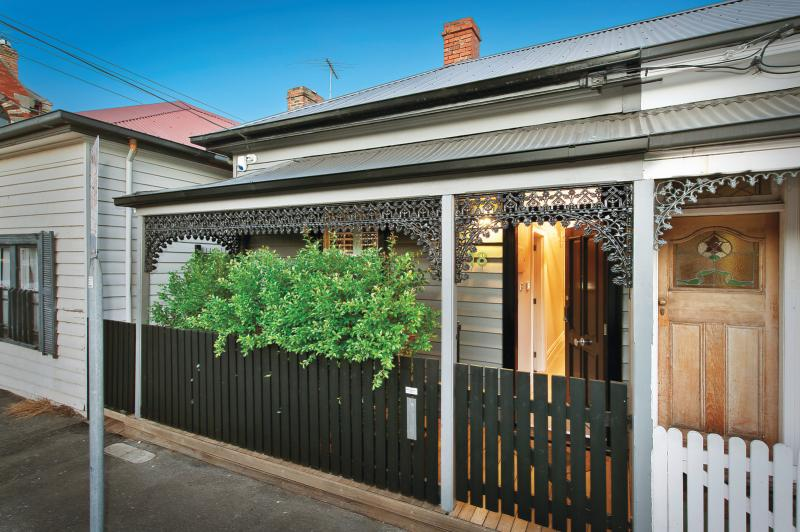 18-primrose-street-prahran-vic-3181-real-estate-photo-10-large-11763133