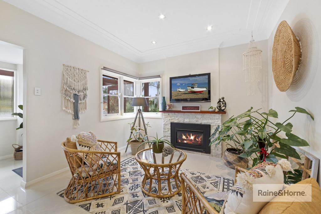 2-bream-road-ettalong-beach-nsw-2257-real-estate-photo-6-xlarge-12565152