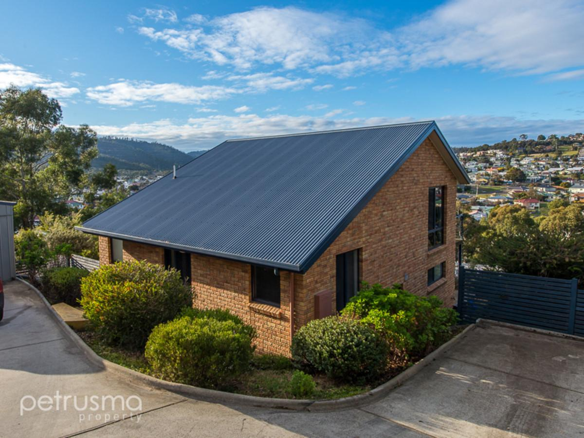 25-wassell-place-lindisfarne-tas-7015-real-estate-photo-1-xlarge-12625871