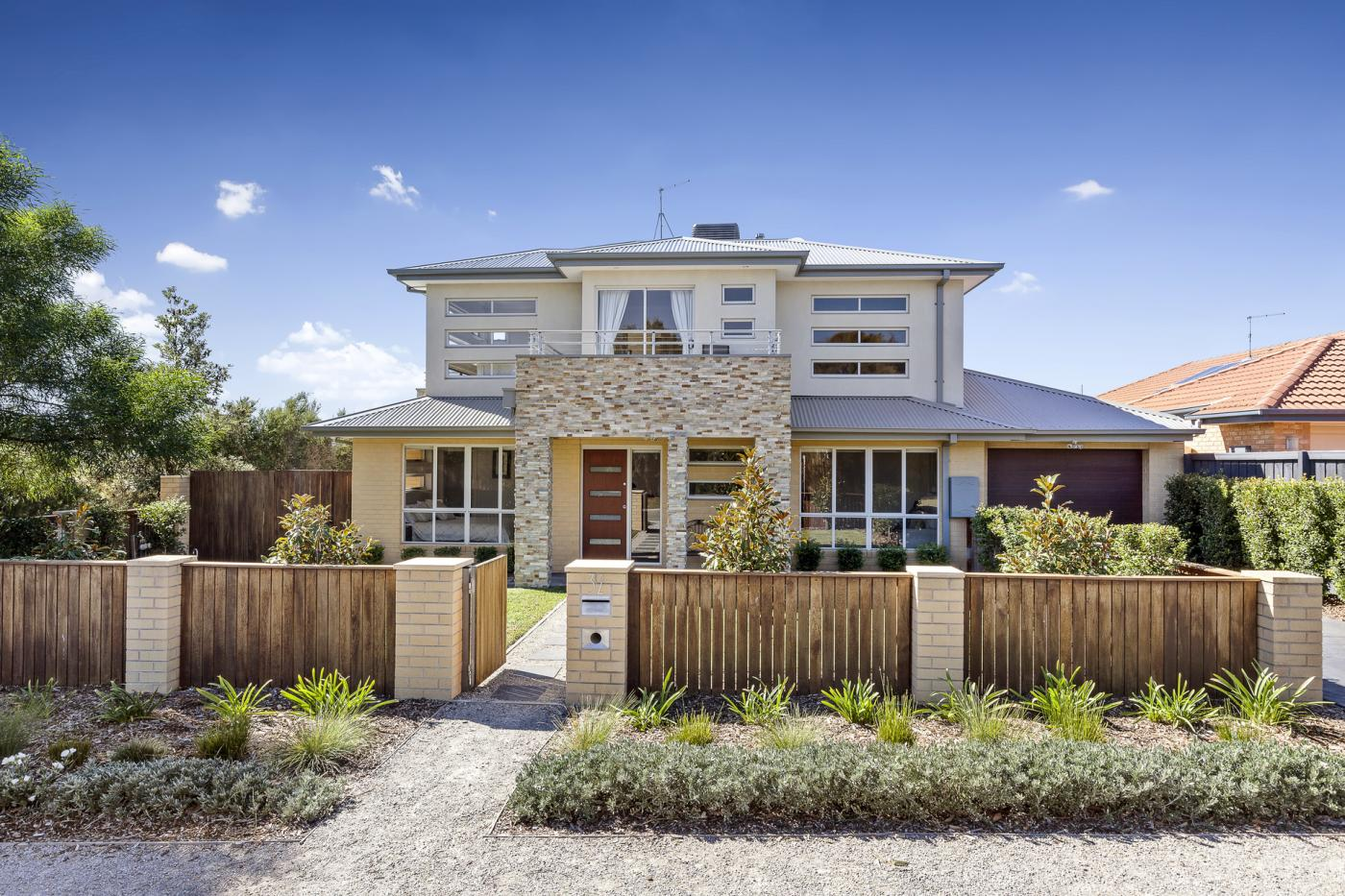 32-rymer-avenue-safety-beach-vic-3936-real-estate-photo-1-xlarge-12349123