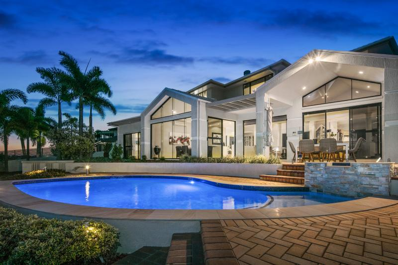 34-piermont-place-raby-bay-qld-4163-real-estate-photo-1-large-11334044