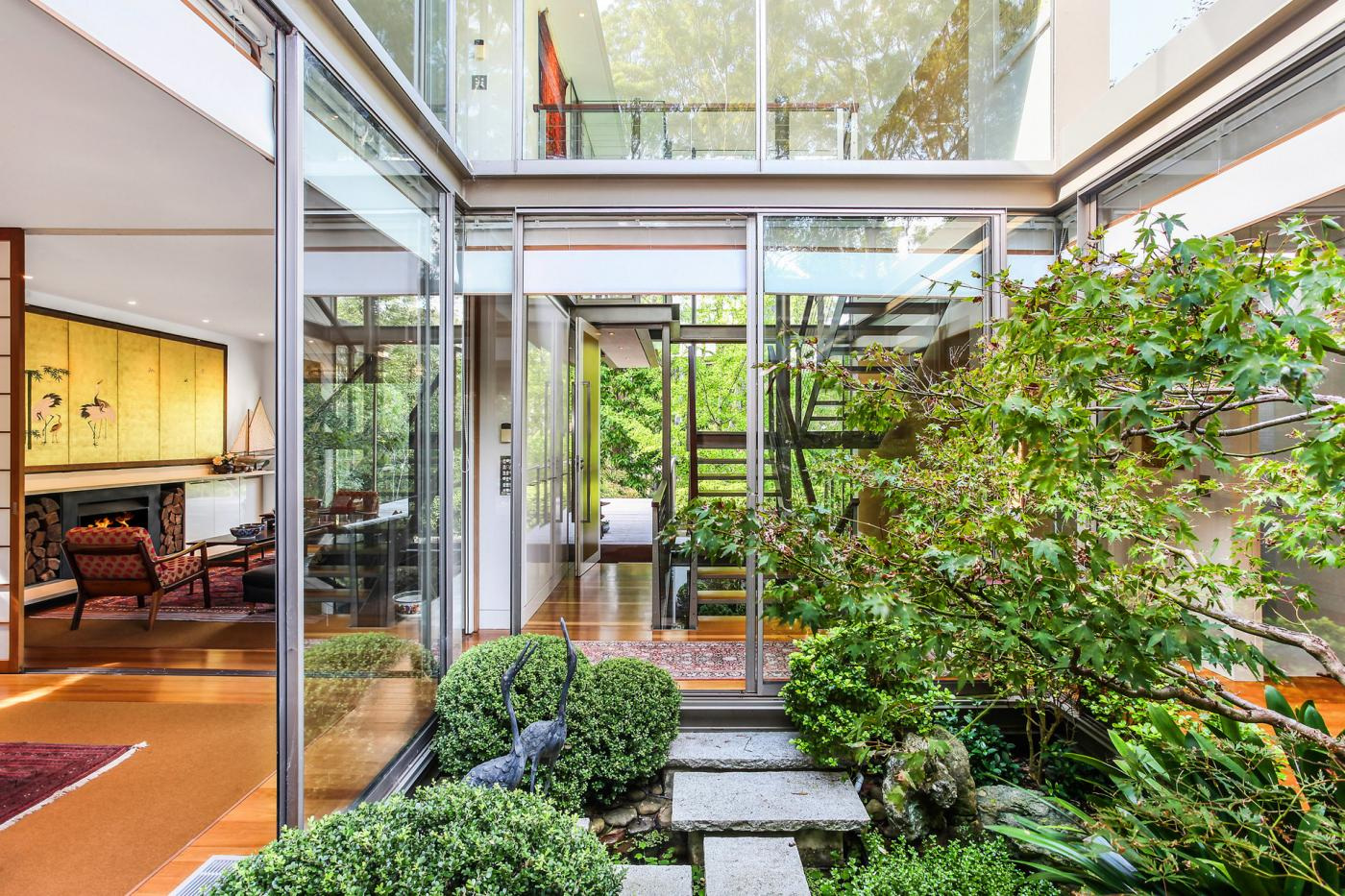 4-hillcrest-street-wahroonga-nsw-2076-real-estate-photo-3-xlarge-12623772