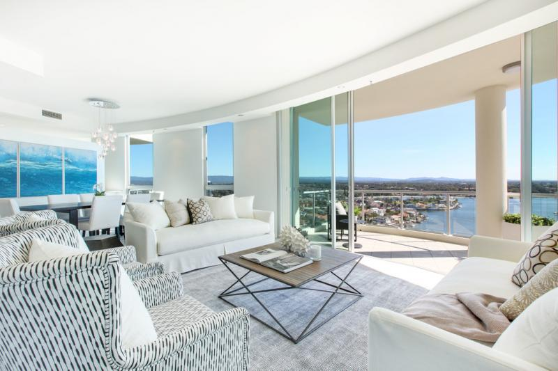 360 degree-views in a Surfers Paradise apartment