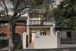 Sydney prices falling into buyers' hands