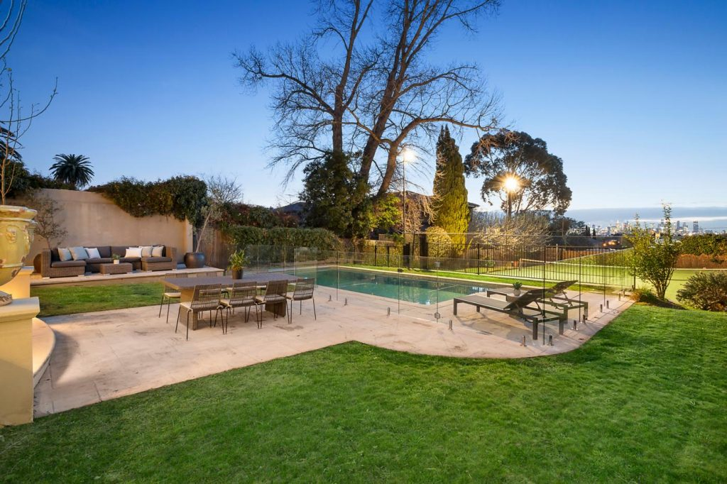 7-wrixon-street-kew-vic-3101-real-estate-photo-4-xlarge-12801403