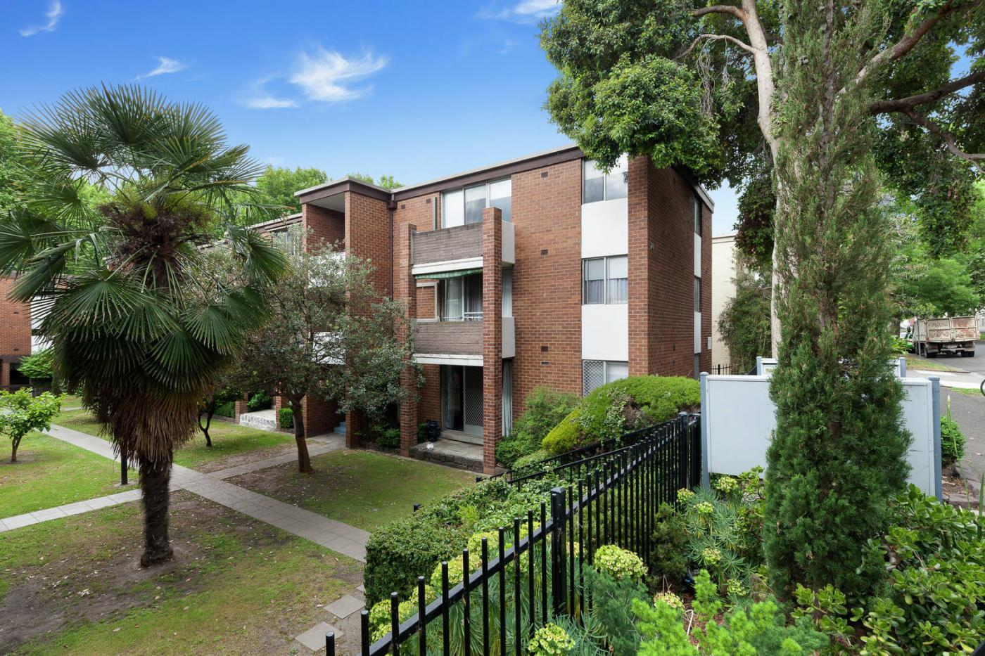 70-o-shanassy-street-north-melbourne-vic-3051-real-estate-photo-1-xlarge-11987022