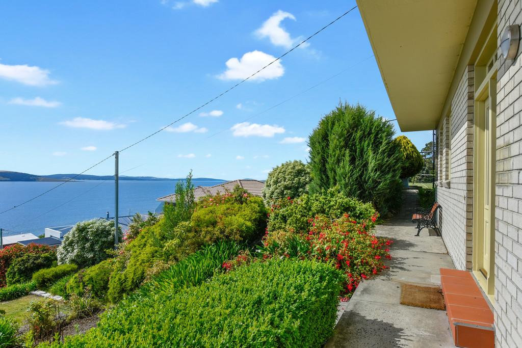 725-sandy-bay-road-sandy-bay-tas-7005-real-estate-photo-3-xlarge-12620000