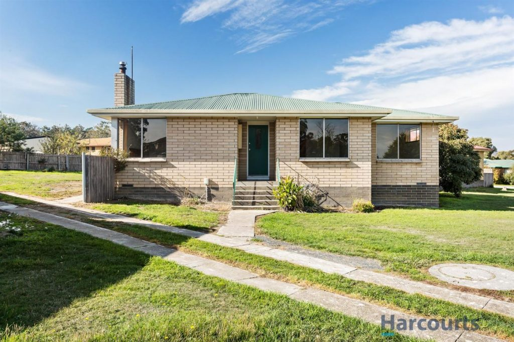 78-warring-street-ravenswood-tas-7250-real-estate-photo-3-xlarge-11841124