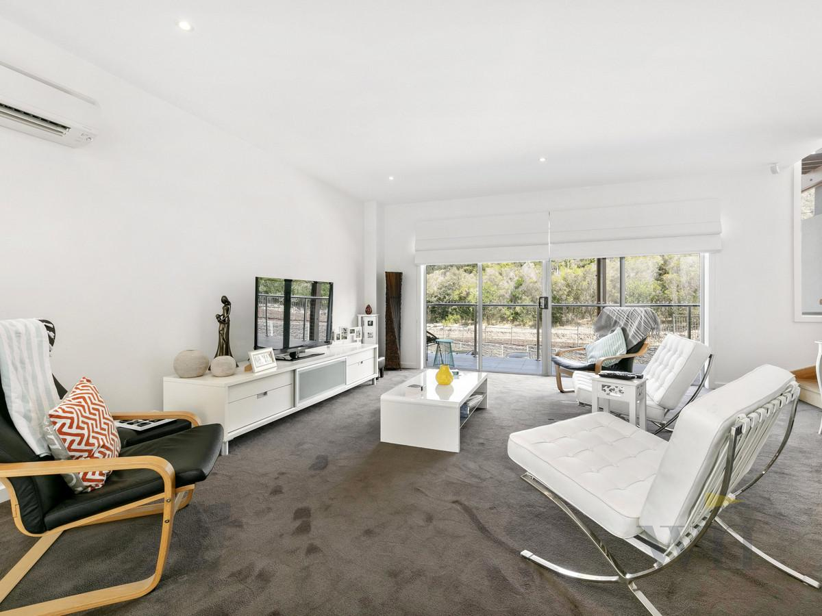 8-outrigger-place-safety-beach-vic-3936-real-estate-photo-3-xlarge-12360706