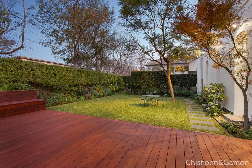 8-tiuna-grove-elwood-vic-3184-real-estate-photo-3-xlarge-13189254