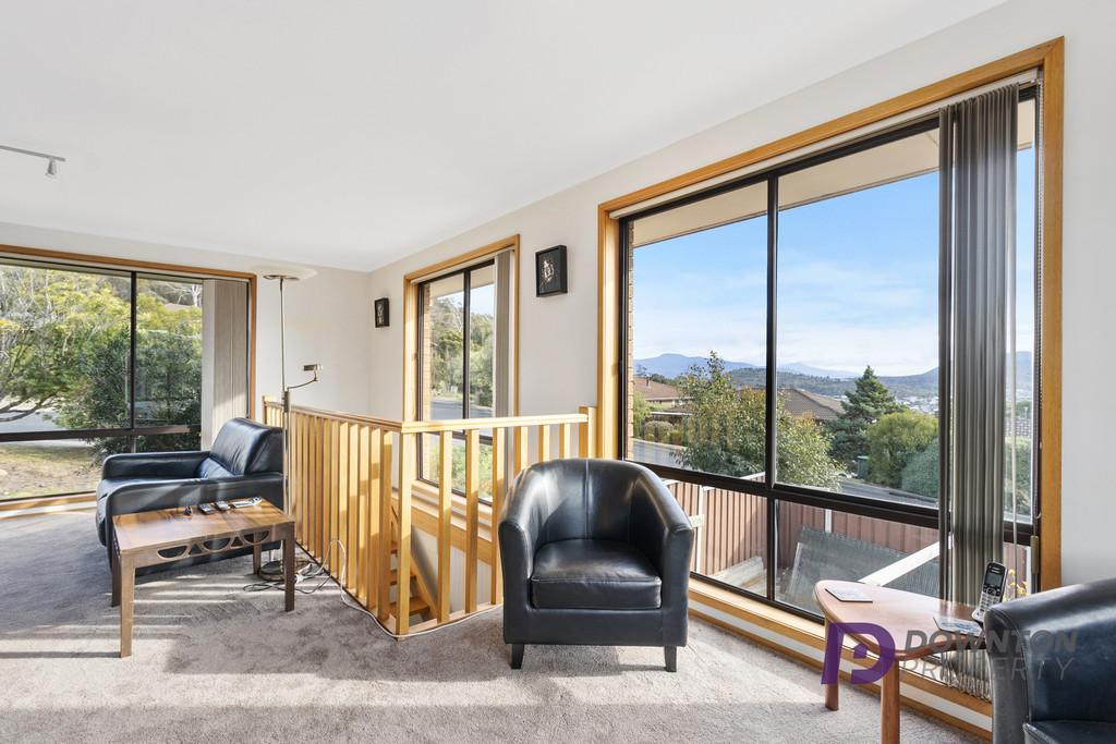 9-croesus-court-lindisfarne-tas-7015-real-estate-photo-4-xlarge-12624516