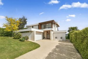Featured Home – 98 Bradford Road, Mount Martha