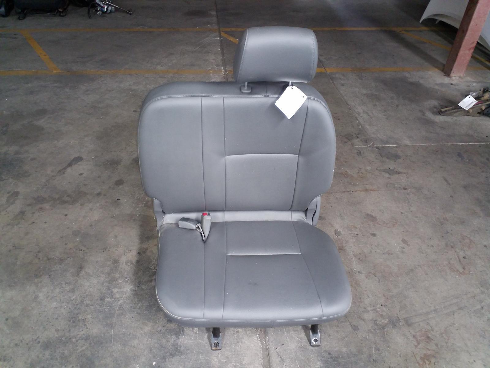 Toyota Hilux Front Seat Lh 3 4 Bench Seat Vinyl 07 11 10