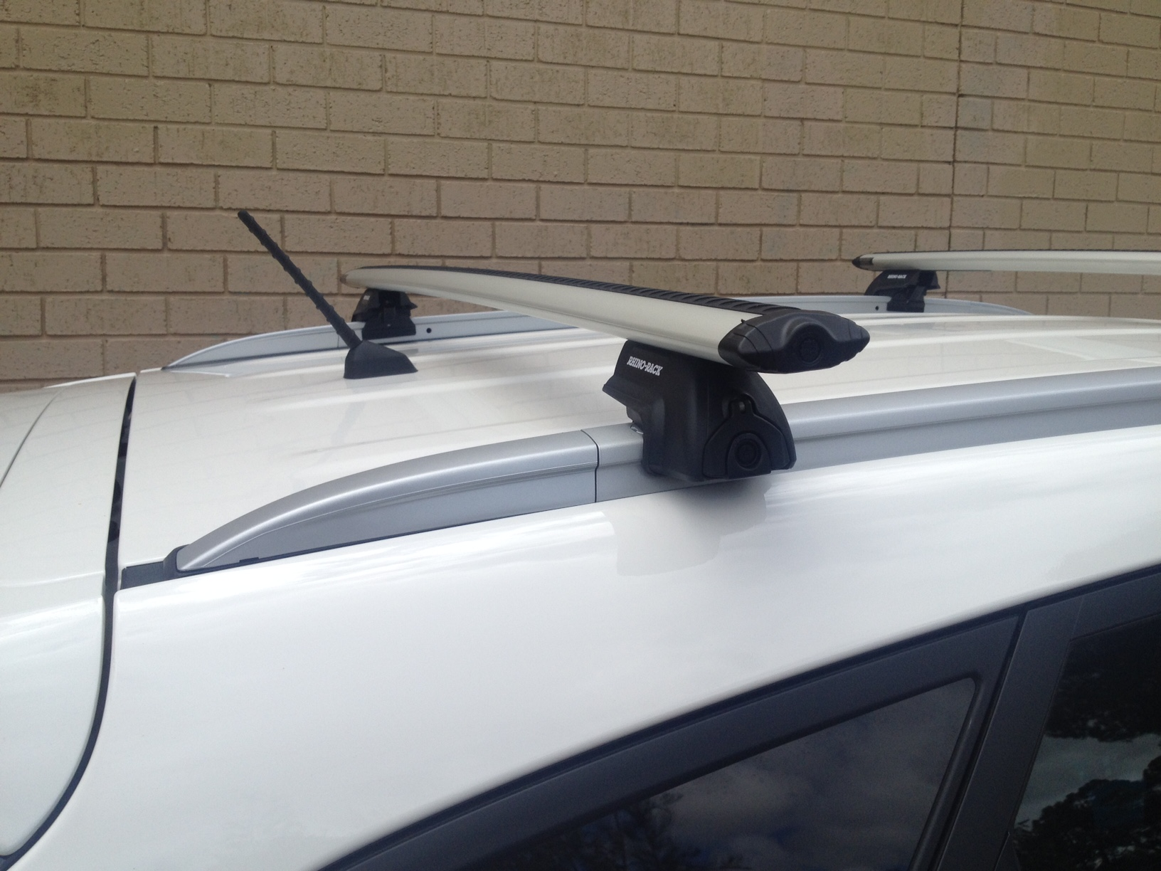 Thule Roof Racks >> Hyundai I ix35 4dr SUV With Solid Roof Rails (Trophy) 01 ...