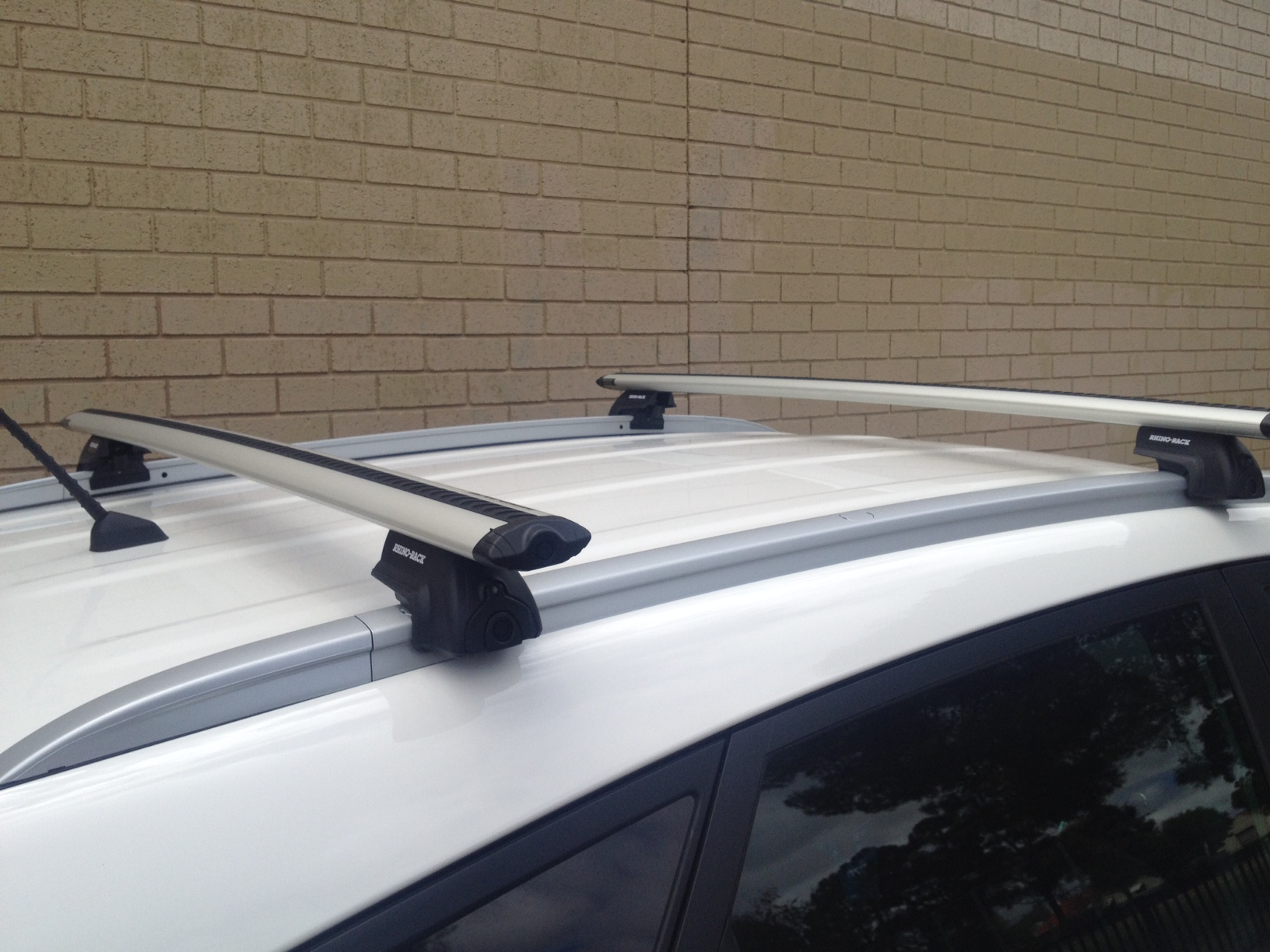 Hyundai I Ix35 4dr Suv With Solid Roof Rails Trophy 01