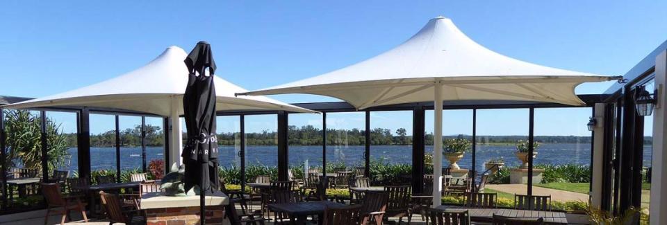 Harrigans Irish Pub & River Lodge