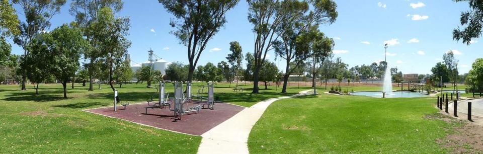 Swan Hill Riverside Park