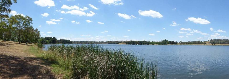 Lake Ginninderra Western Foreshore