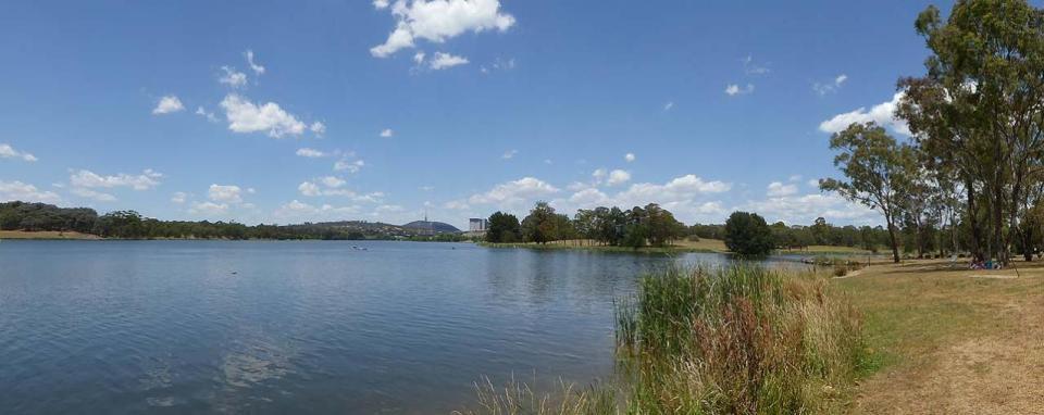 SUPing at Lake Ginninderra