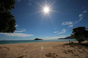 Go to Cape Gloucester Beach Resort, Hideaway Bay QLD