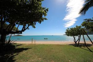 Go to Montes Reef Resort, Hideaway Bay QLD
