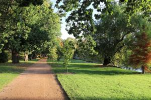 Go to Castlemaine Botanical Gardens, Castlemaine VIC