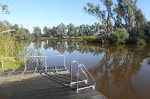 Go to Bridgewater Swimming Hole, Bridgewater On Loddon VIC