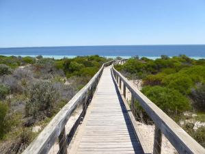 Go to Port Hughes Tourist Village, Port Hughes SA