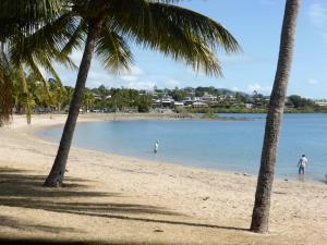 Go to Airlie Beach, QLD