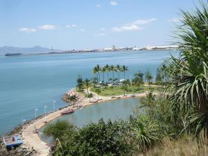 Go to Kissing Point Fort, Townsville QLD